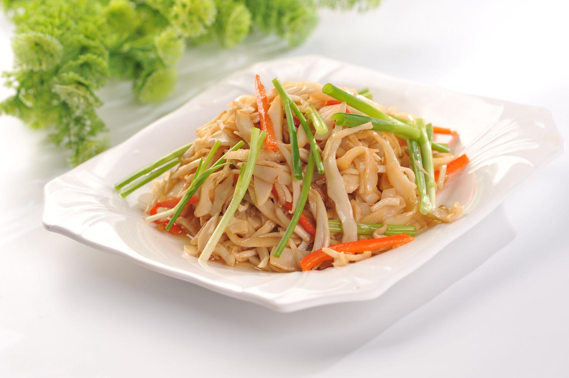 Asiatische Nudel mit Fleisch auch im Lieferservice.